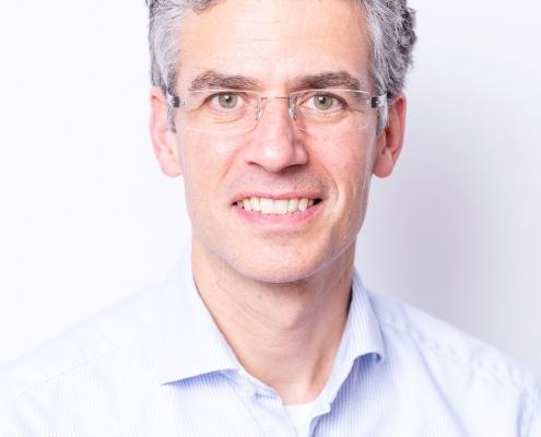 DR. MED. ROBERT FOELLMER